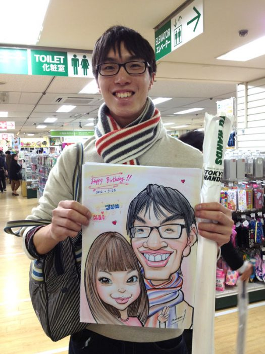 親切な対応です!彼女へのプレゼントにお写真から似顔絵をご注文下さい。